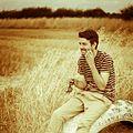 Aaron Morris Comedian in a field.jpg
