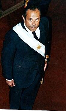 Adolfo Rodríguez Saá con banda presidencial.jpg