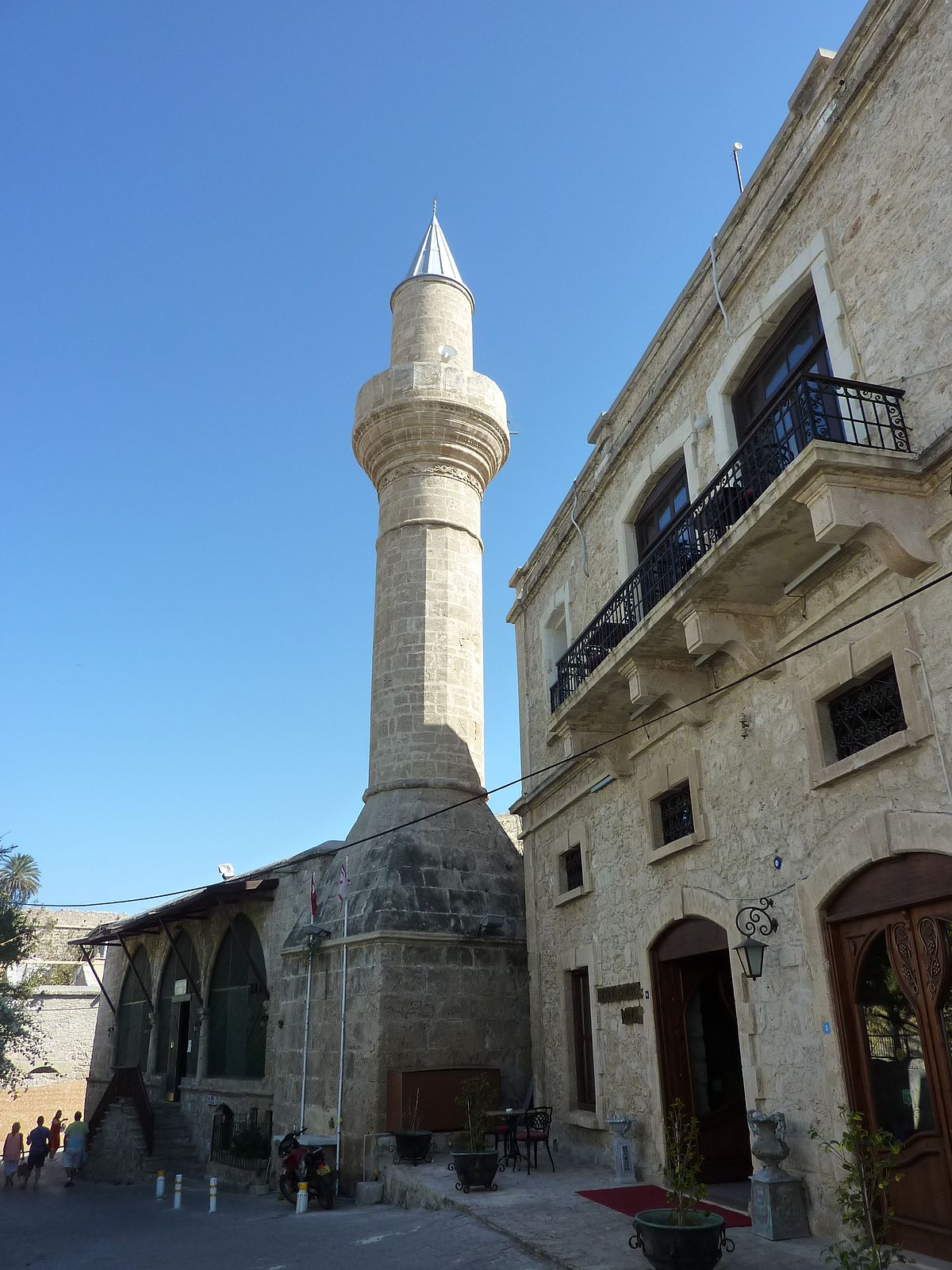 kyrenia muslim The tomb of omar – four kilometers to the east of kyrenia, on the coastal road to catalkoy, is the tomb od hazreti omar the small hazreti omar mosque and tombs house the remains of a 7th century commander and six other muslim holy men.