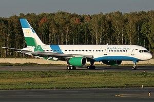 Air Bashkortostan Boeing 757 Pichugin.jpg