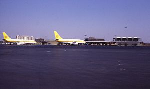 Air Cal planes at John Wayne Airport, 1980.jpg