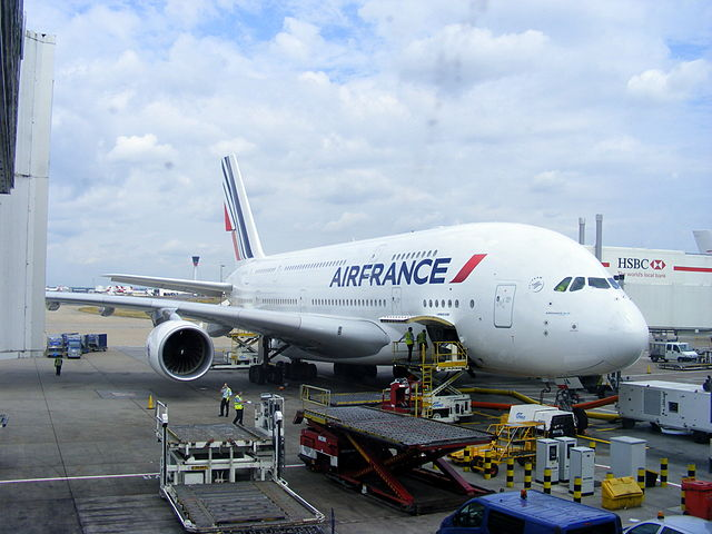 File air france airbus a380 861 f hpja london heathrow for A380 air france interieur