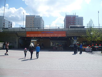 Alby, Botkyrka - Entrance to Alby centrum from the metro.