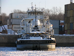 Aleksandr Lagutin in North River Port 31-jan-2012 02.JPG