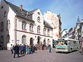 Altes Rathaus & ESWE-Bus Wiesbaden 562-vbBh.jpg