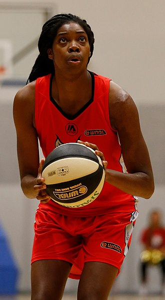 Amanda Dowe - Dowe in action for the Perth Lynx