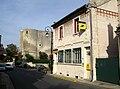 Ambleny donjon, monuments-aux-morts et poste 1.jpg