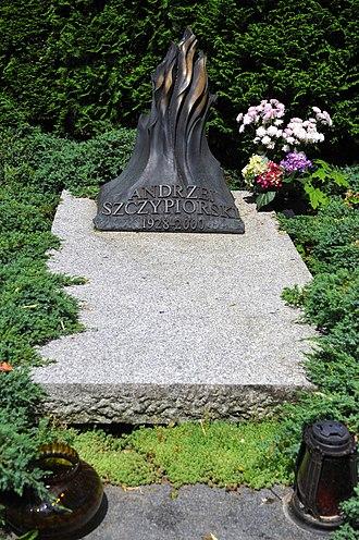 Andrzej Szczypiorski - Image: Andrzej Szczypiorski grave