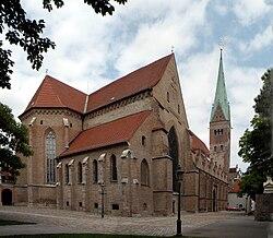 Augsburger Dom Panorama von SW.jpg