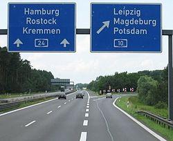 Autobahnkreuz A24 - A10 bei Potsdam - Leipzig - geo.hlipp.de - 3191 crop.jpg