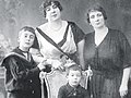 Ayşe Sultan, her mother and sons.jpg