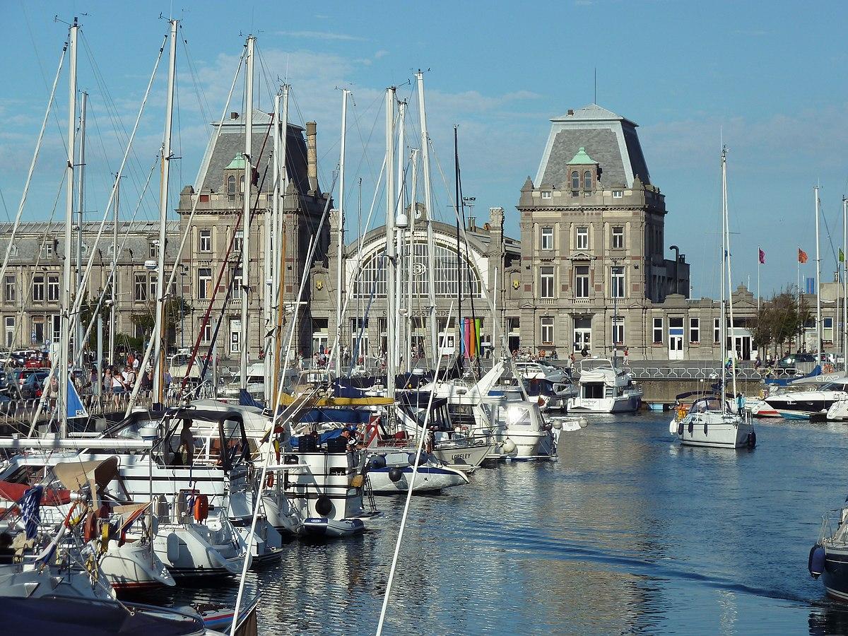 Bahnhof Oostende vom Jachthafen aus - panoramio.jpg