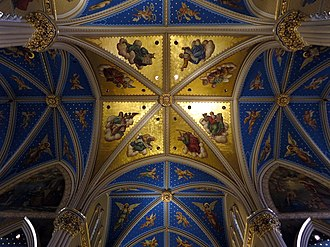 Basilica of the Sacred Heart, Notre Dame - The transept
