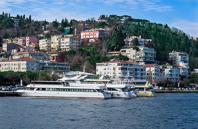 File:Bebek Istanbul.jpg - Wikimedia Commons