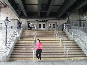 Bedford Park Boulevard–Lehman College (IRT Jerome Avenue Line) - Station Entrance