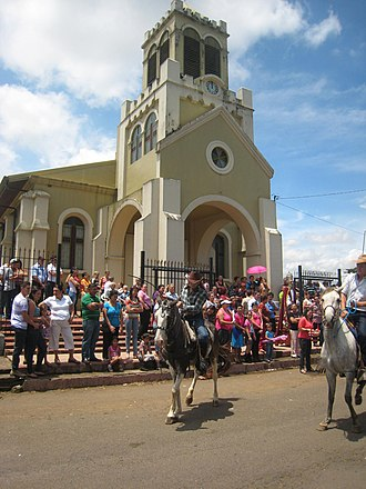 Blessing of animals - Blessing of cars, horses, and vehicles in front of the church of San Pedro de Santa Bárbara de Heredia, Costa Rica
