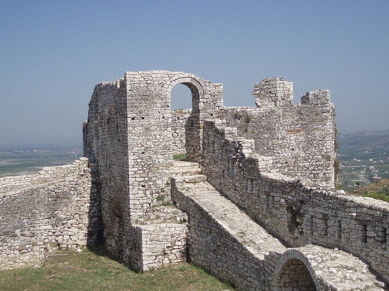 Datoteka:Berat Castle, Albania.JPG