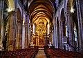 Besancon Cathédrale St. Jean Innen Langhaus West 4.jpg