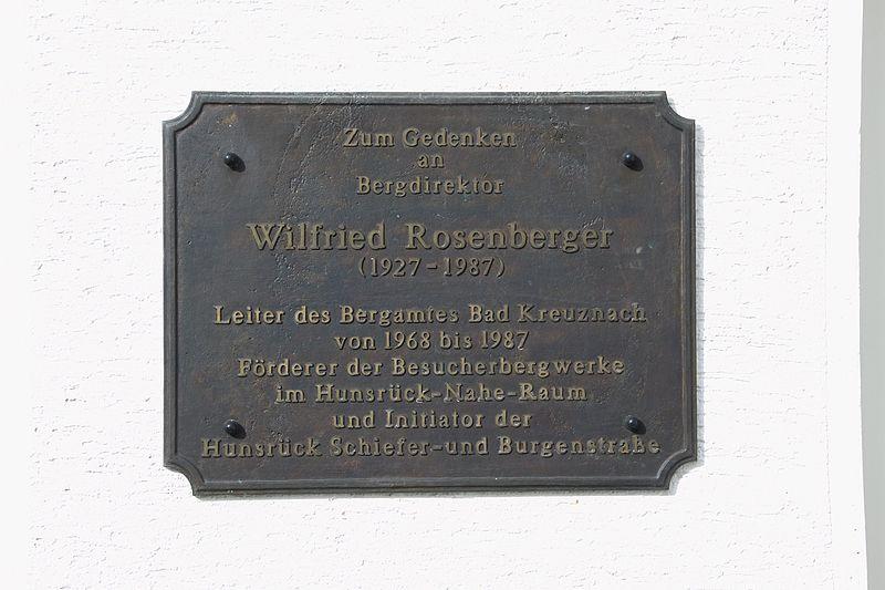 File:Besucherbergwerk Schiefergrube Herrenberg Gedenkplatte Wilfried Rosenberger.jpg