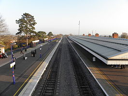 Bicester North station high southbound.jpg