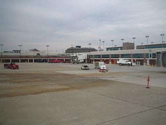 Blue Grass Airport - Image: Blue Grass Airport Terminals
