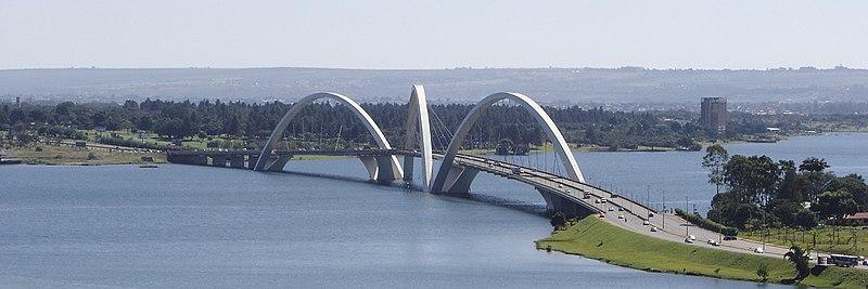 Vista panorâmica da Ponte JK.