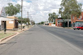 Brewarrina, New South Wales - The main street of Brewarrina, Kamilaroi Highway, with the Royal Hotel on the right