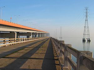 San Mateo–Hayward Bridge - Werder Pier, the remnant of the original 1929 western trestle span