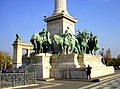 Budapest - Plaza de los Héroes - panoramio.jpg