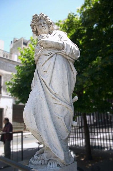 File:Buenos Aires - Plazoleta San Francisco - Estatua de la Navegación - 20051212.jpg