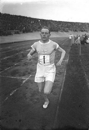 Men's 3000 metres world record progression - Paavo Nurmi setting a 3,000 m world record in Berlin in 1926