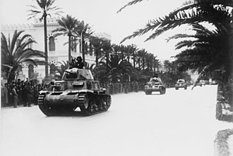 Fiat M13/40 - Italian M13/40 tanks on the streets of Tripoli, March 1941.