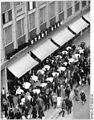 Bundesarchiv Bild 183-D0909-0091-022, Leipzig, Petersstraße, Straßencafé.jpg