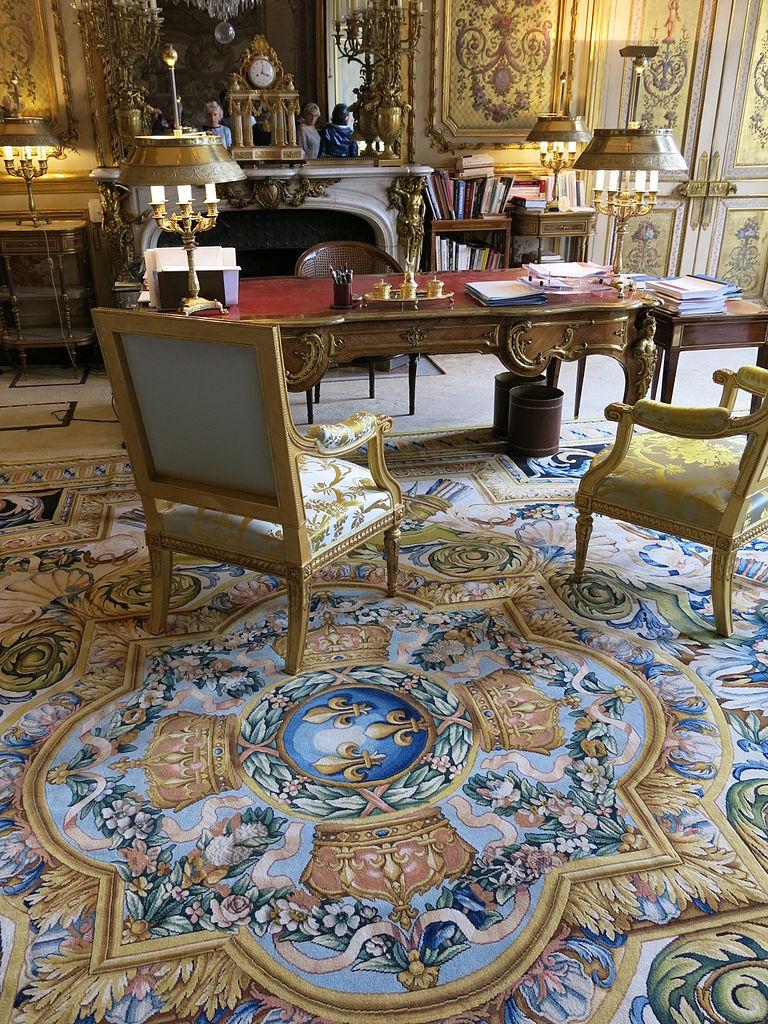 Dans Le Salon file:bureau du président de la république dans le salon doré du