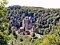 Burg Eltz im Sommer.jpg