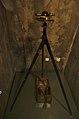 Busolní stroj s mimostředným dalekohledem firmy Neuhöfer & Sohn - Moravské kartografické centrum, zámek Velké Opatovice, okres Blansko.jpg