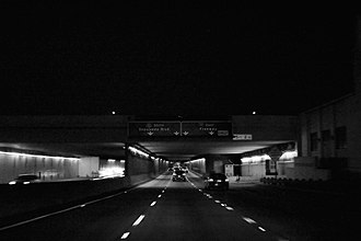 Airport Tunnel (Los Angeles) - The northern portal of the Airport Tunnel at night