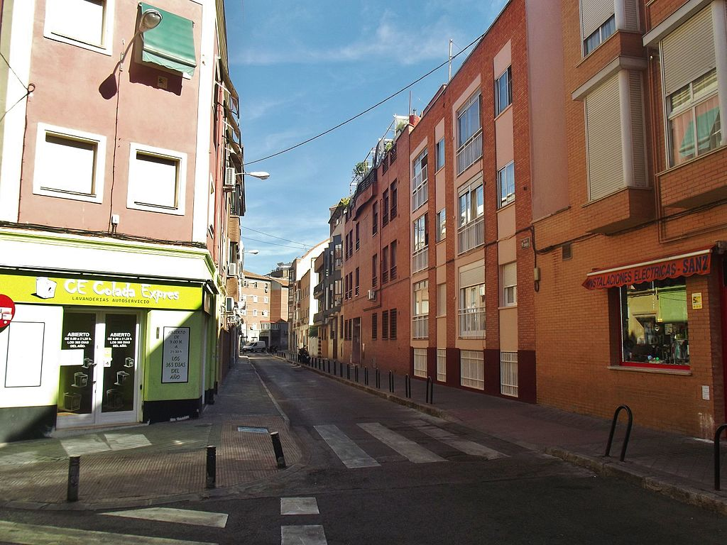 Archivo calle de torrijos madrid jpg wikipedia la enciclopedia libre - Calle nebulosas madrid ...