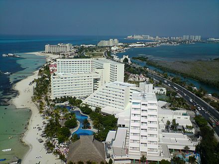 Cancun Island aerial view, from the top of the Escenica Tower adding 80 meters of height. May 2008 Cancun001.JPG