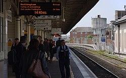Cardiff Central railway station MMB 44.jpg