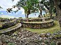 Cases rodones de la cultura Chachapoyas de Kuelap.jpg