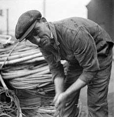 Cecil Beaton Photographs- Tyneside Shipyards, 1943 DB141.jpg