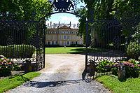 Château de Toury-Lurcy.jpg