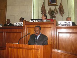 Senate (Democratic Republic of the Congo) - Charles Mwando Nsimba addressing the Senate with Léon Kengo presiding, 2009