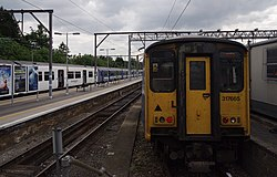 Chingford railway station MMB 01 317352 317664 317665.jpg
