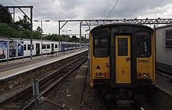 Chingford railway station MMB 01 317352 317664 317665.jpg