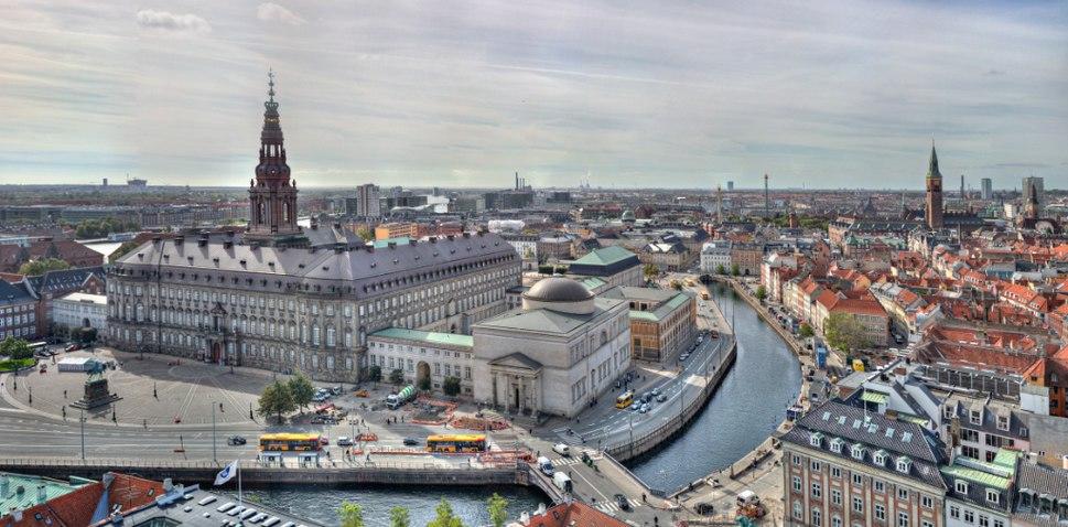Christiansborg fra Nikolaj Kirken