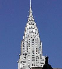 Coronamiento art decó del Edificio Chrysler en Nueva York, construido 1928–1930