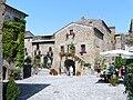 Civita di Bagnoregio-piazza.jpg