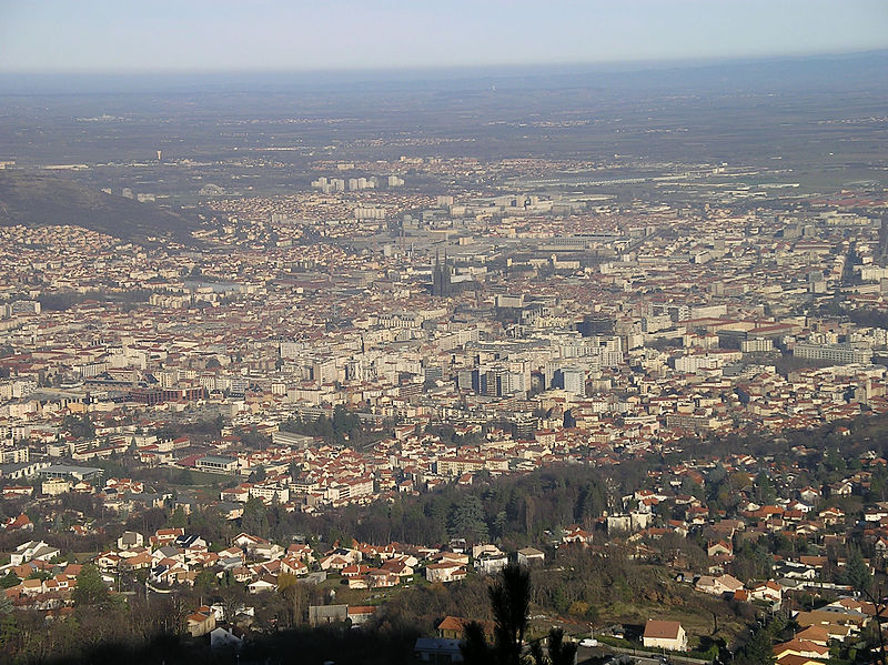 File:Clermont-Ferrand Overview (high).jpg